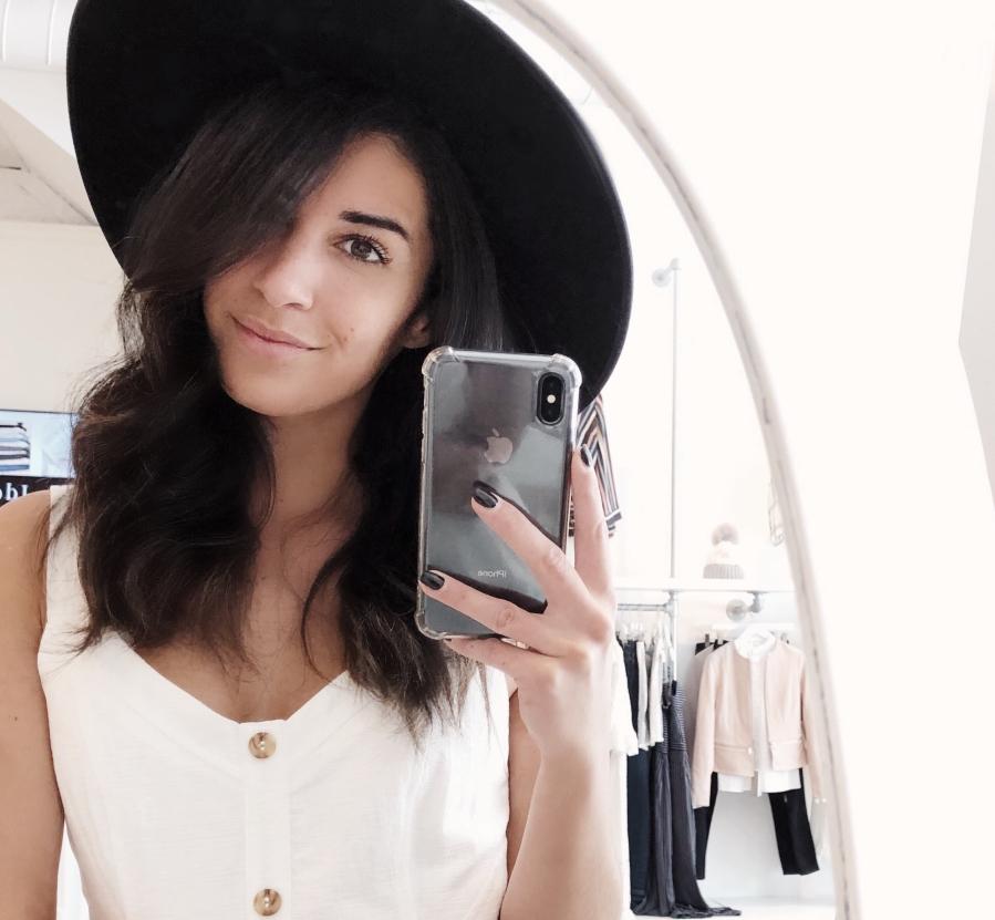 Selfie avec un chapeau